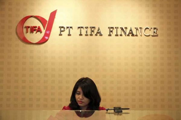 PT Tifa Finance Tbk